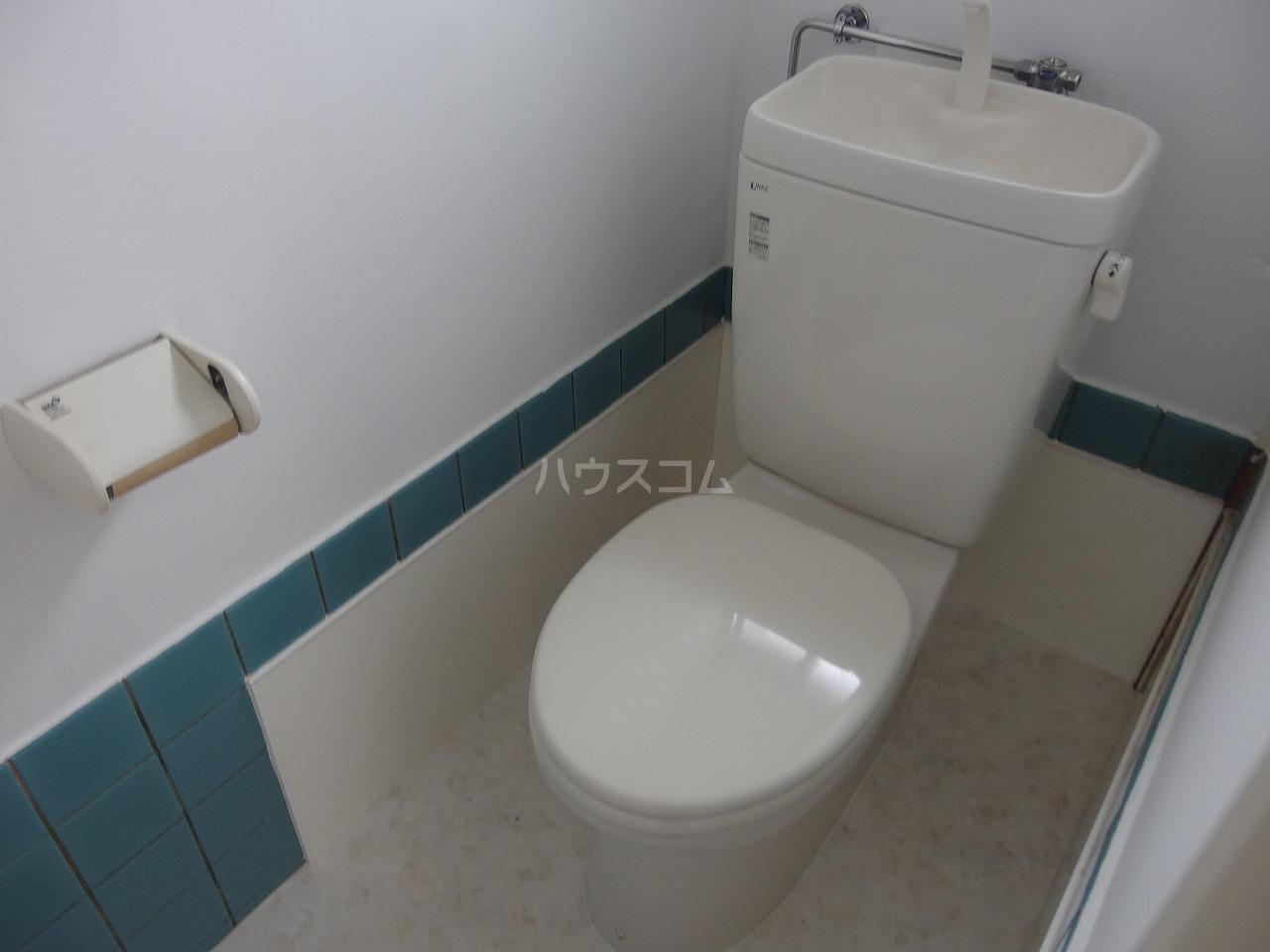 軽辺貸家 B号棟のトイレ