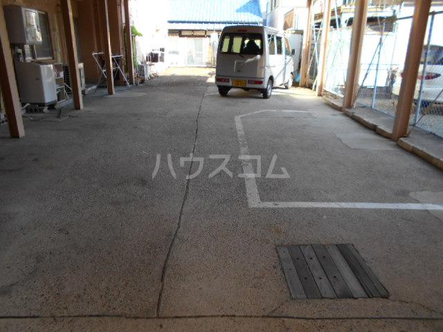 高蔵寺ビル 301号室の駐車場