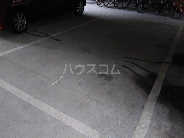 パリーマンションⅡ 203号室の駐車場