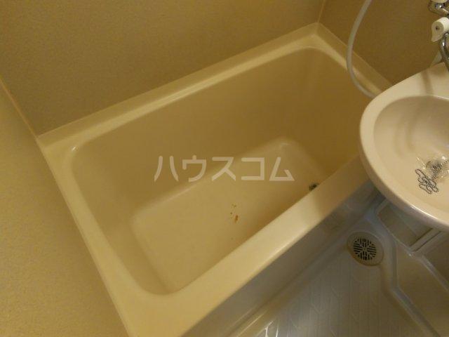 パリーマンションⅡ 203号室の風呂