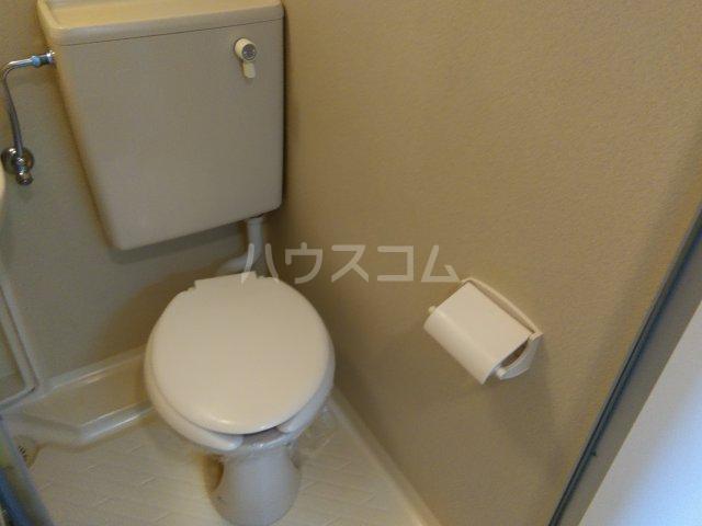 パリーマンションⅡ 203号室のトイレ