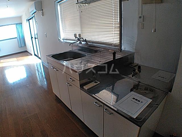ハイツモリヤ 401号室のキッチン