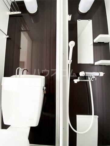 クレープマートル 401号室の風呂