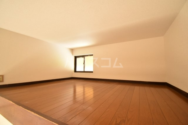 グランモア若葉 205号室の居室