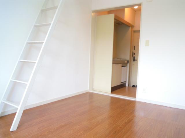 メゾン21 205号室の居室