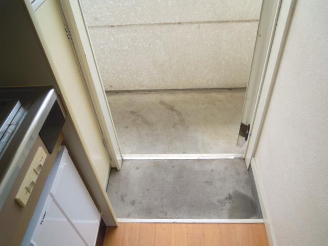 メゾン21 205号室の玄関