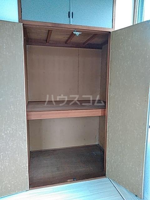 カステルセゾン 205号室の収納