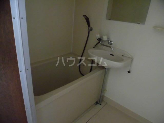 美和ハイツ 201号室の風呂