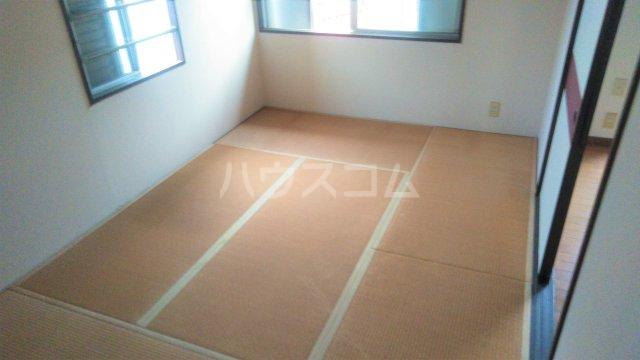 メゾン藤 102号室の居室