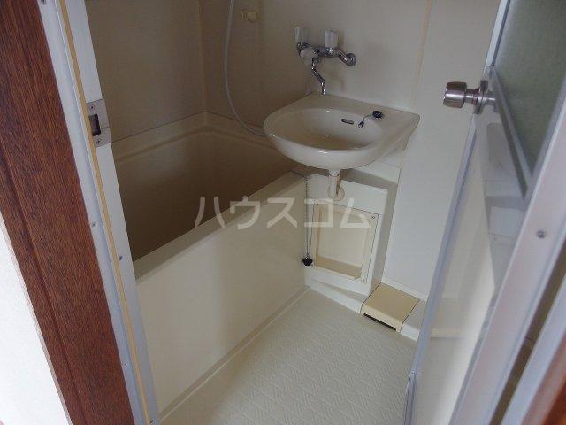 コーポ阿部 205号室の風呂