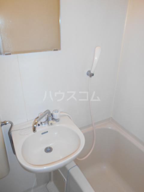 エルドラド 414号室の洗面所