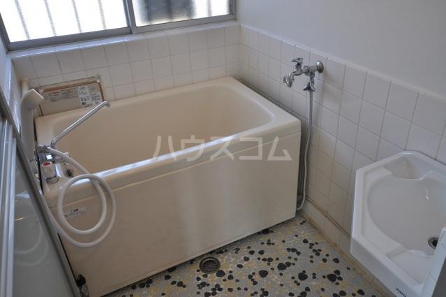小川ハイツ 201号室の風呂