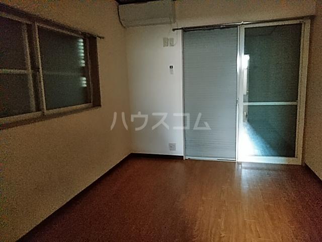 ファーストシティ橋本 205号室のリビング