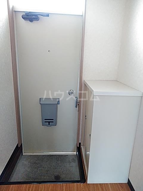 ファーストシティ橋本 205号室の玄関