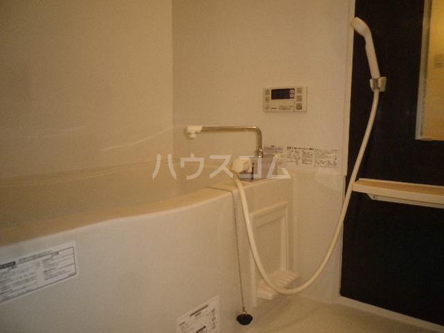 コンフォート・ウィズ エターナルポート 101号室の風呂