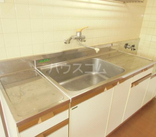 グレース犬山Ⅱ 103号室のキッチン