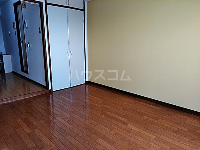 グリーンハイツ浅野 3A号室のリビング