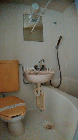 サウスハイム入曽 00201号室の洗面所