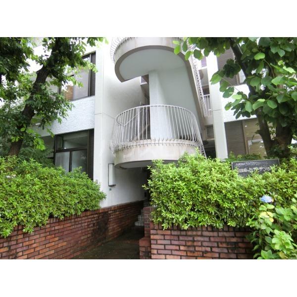 聖蹟桜ヶ丘ガーデンホーム 203号室のエントランス