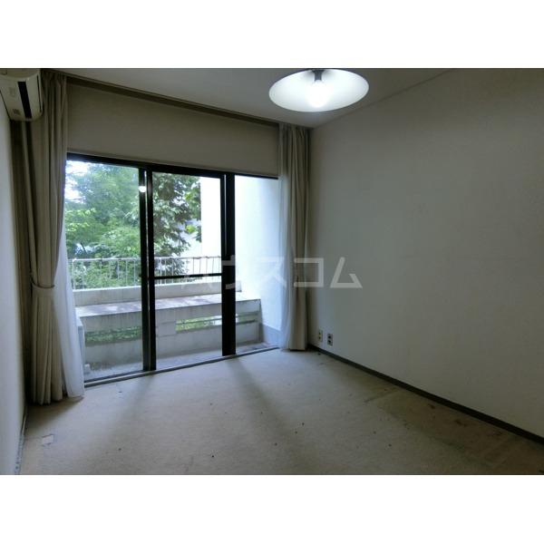 聖蹟桜ヶ丘ガーデンホーム 203号室の居室