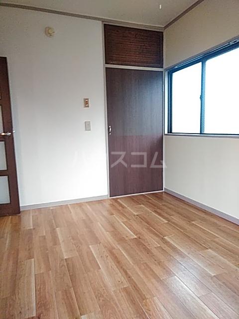 大豊マンション 206号室のリビング