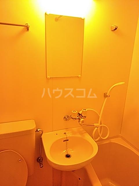 大豊マンション 206号室の洗面所