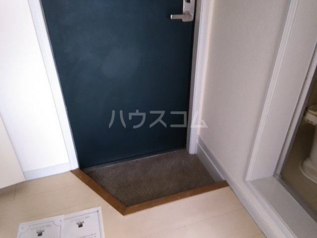 レオパレス東枇杷島 201号室の玄関