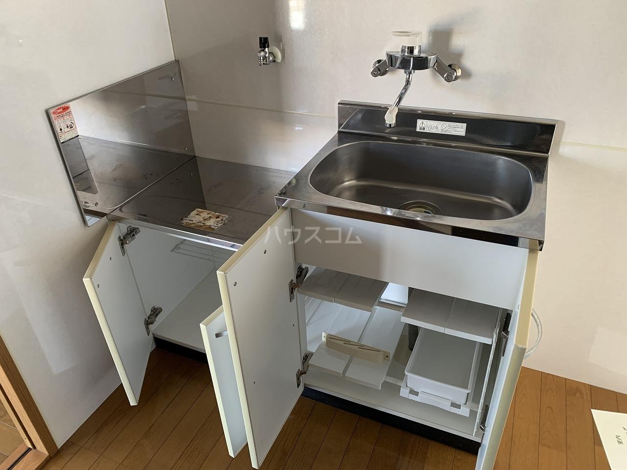 第2白王荘 201号室のリビング