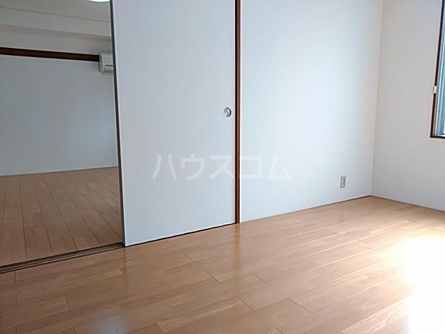 柿澤ビル 202号室のリビング