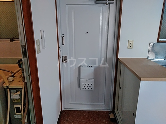 柿澤ビル 202号室の玄関