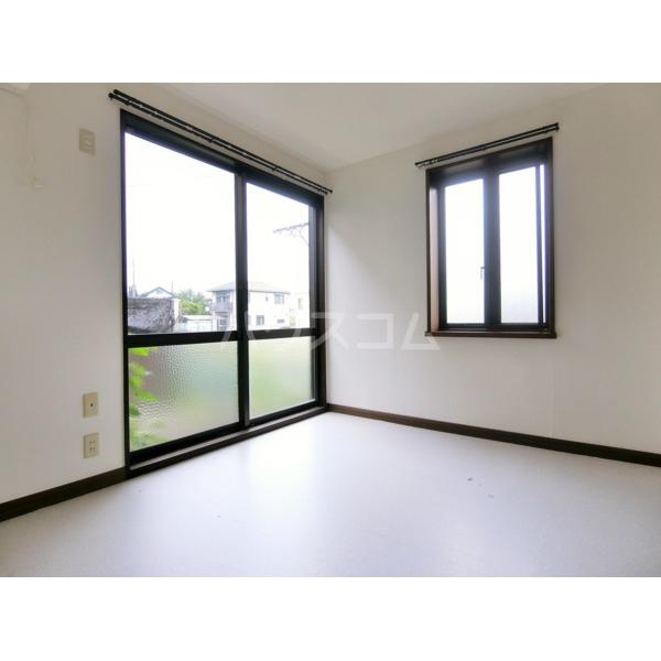 ベルハイツ 105号室のリビング