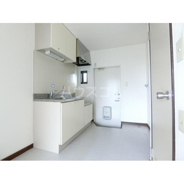 ベルハイツ 105号室のキッチン