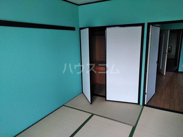 MTGビル 205号室の居室