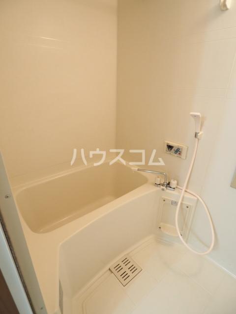 サープラスあじま 105号室の風呂