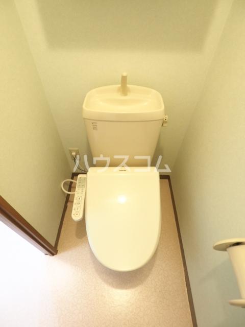 サープラスあじま 105号室のトイレ