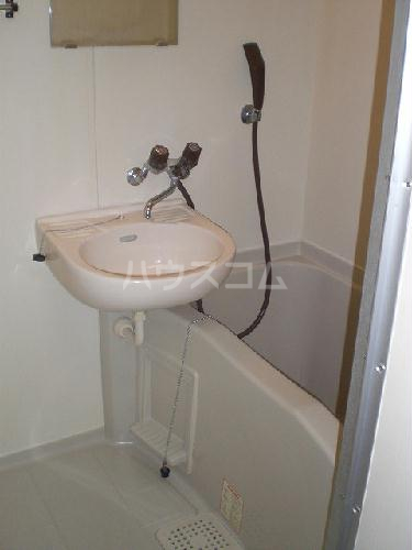 レオパレス白山第6 206号室の洗面所