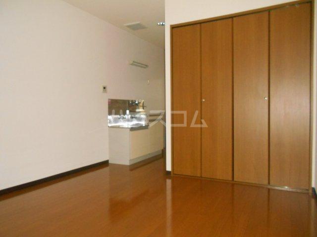 第3宮田ビル 203号室の居室
