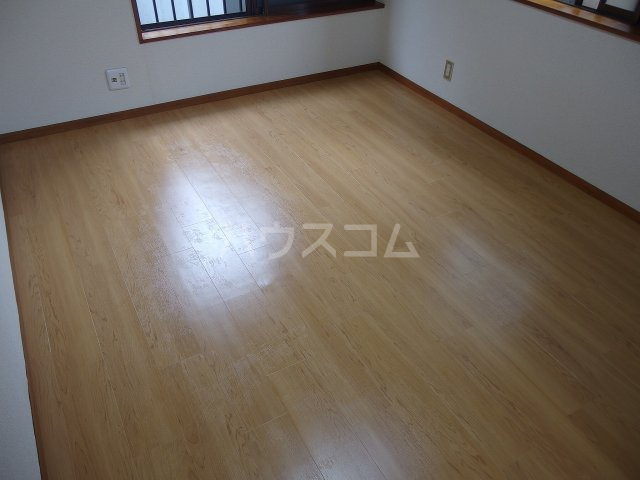 サウザンドヴィレッジ桜ヶ丘 101号室の居室