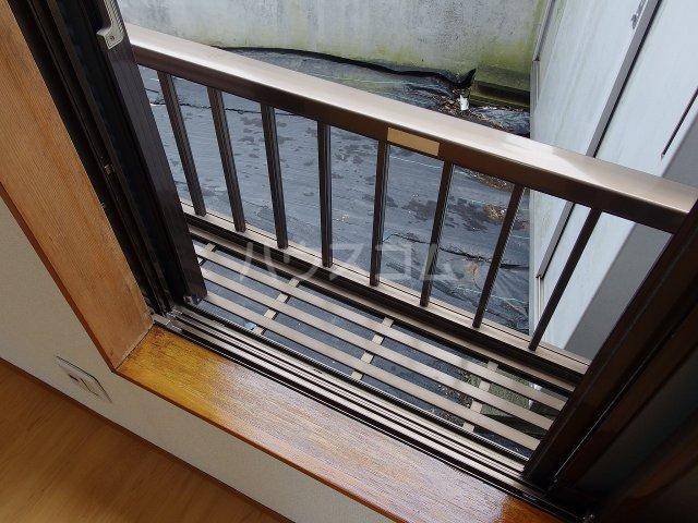 サウザンドヴィレッジ桜ヶ丘 101号室のバルコニー