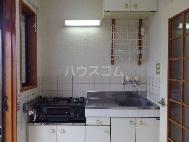 サウザンドヴィレッジ桜ヶ丘 101号室のキッチン