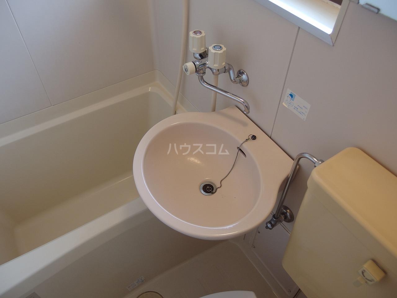 サウザンドヴィレッジ桜ヶ丘 101号室の洗面所