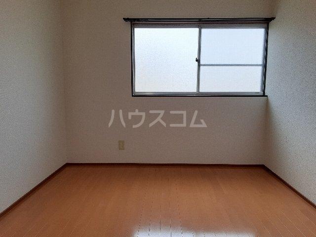 コーポカトウ 201号室のリビング