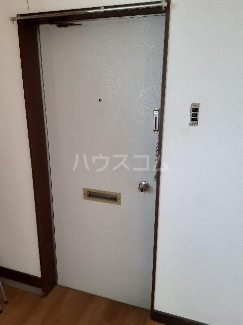 コーポカトウ 201号室の玄関