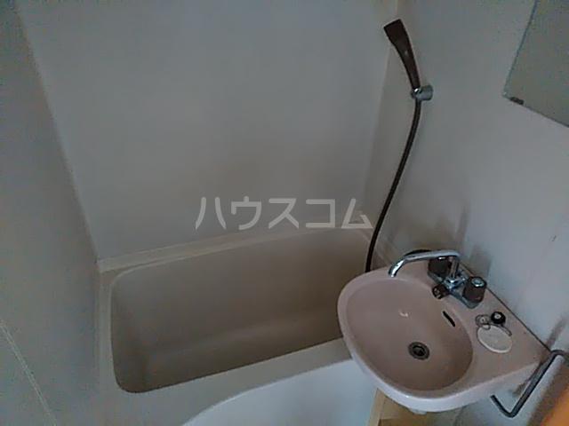ブラウンバード 302号室の風呂