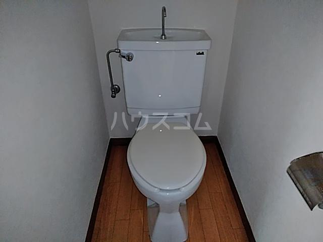 コーポ朝日 102号室のトイレ