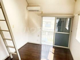 ヒールパイン上福岡 201号室の居室
