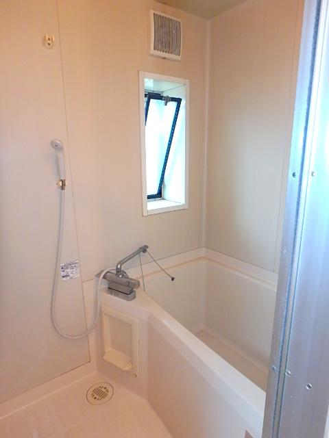 天神ハイツ 201号室の風呂