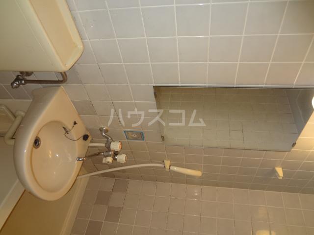 ライオンズシティ八王子 401号室の洗面所