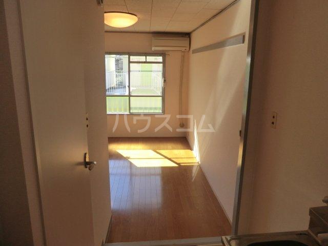 オーシャンハイツパート2 103号室のリビング