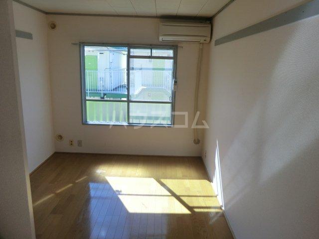 オーシャンハイツパート2 103号室の居室